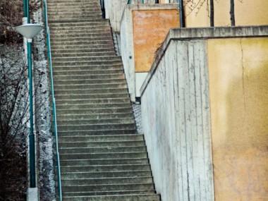 Folkungagatan 166 till Lotsgatan är en lång, ful, tunggången och men ganska nybyggd trappa i betong.