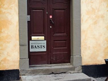 Entré till konstskolan Basis, 3 steg.
