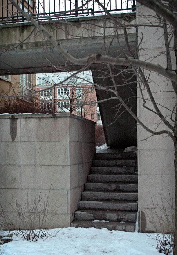 Sidoingång till Tegelviksgatan 43.