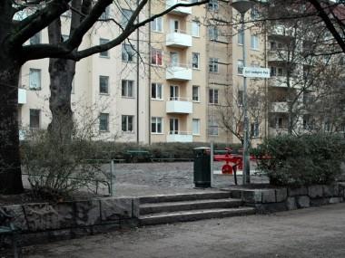 Ingång från Åsögatan.