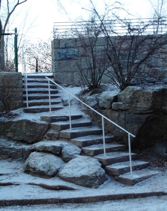 Ingång till övre nivå från Sandbacksgatan